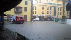 4 - Lluvias Puerto de la Cruz (07/11/2012) (Alejandro Amador) Tags: espaa water rain muelle lluvia spain agua inundacion tenerife canaryislands bomberos puertodelacruz policia islascanarias plazadelcharco lluviastorrenciales