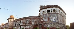 The Lahore Fort (z) Tags: city pakistan panorama architecture hall fort patterns pigeons muslim flight mirrors za lahore oldcity walled lahorefort mughal kingspavilion sheeshmahal  widescape