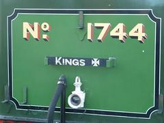 Gresley N2 1744 @ Heywood (gooey_lewy) Tags: november cold train tank cross suburban great shed engine railway steam lancashire east kings locomotive met northern heating n2 condenser 1744 61744 062t