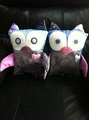 Sweet owls (Nydia (The ADD-Crafter)) Tags: pink wool birds animal grey stuffed spain pattern purple handmade kate good bees felt fortune gifts fabric gift owl ideas hoot owls tula stuffie