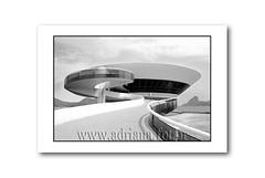 af0502_9620  Museu Arte Contemporanea - Niteroi - RJ - Oscar Niemeyer (Adriana Fchter) Tags: bw macro nature vidro niemeyer arquitetura oscar museu arte natureza bicicleta niteroi archtecture concreto arquiteto contemporanea armado adrianafchter