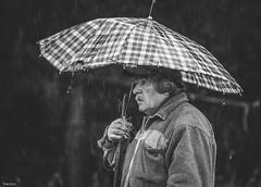 Viejo, Mi Querido Viejo ([MKDO]) Tags: blanconegro blackwithe monochrome rain raindrops lluvia retrato portrait padre familia freelance dof