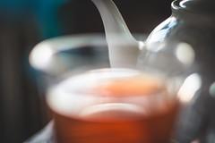 Cup of bokeh (WillemijnB) Tags: tea bokeh dof depthoffield cup blurry vaag pot teapot theepot thire thee th drink boisson drinken