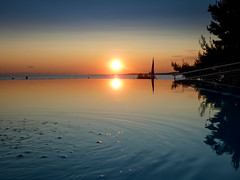 Poolsunset.jpg (lotion18) Tags: mirror spiegel pool sunset sonnenuntergang light licht