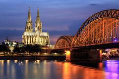 Viva Cologne (Gruenewiese86) Tags: canon kln photokina stadt cologne night hohenzollernbrcke brcke rhein fluss 24105 nightshot nightscape landscape cityscape dom