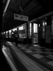 Hamburg - Baumwall (chicitoloco) Tags: hamburg baumwall u3 u3station u3bahnstation u3bahn bahnsteigkante bahnhof bahn ubahn