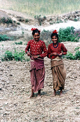 11-350 (ndpa / s. lundeen, archivist) Tags: nepal girls people color film 35mm asian clothing asia southeastasia nick 11 clothes barefoot nepalese 1970s 1972 villagers nepali twogirls southasia dewolf youngwomen twoyoungwomen nickdewolf photographbynickdewolf reel11