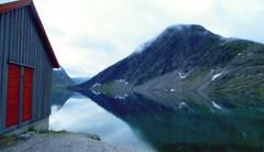 Ghiacciaio (Emanuela Marino) Tags: sea house mountains ice water norway clouds montagne casa nuvole mare glacier acqua norvegia ghiaccio ghiacciaio norvegese
