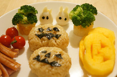 DSC07607 (shiutoku) Tags: red tree green cooking halloween tomato jackolantern sesame broccoli totoro persimmon quailegg characterbento