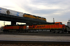 Another Day, Another Over Under at Kansas City, MO (Mo-Pump) Tags: railroad train locomotive railfan railroader