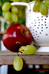 END of season IN BETWEEN ...(in Explore!) (dimitra_milaiou) Tags: autumn fruits greece milaiou colour apple grapes red green greek nikon bokeh europe athens life nature love macro food eat white shape pure light world people season fall end between beautiful dimitra day d90 d 90 hellas φθινοπωρο φυση ελλαδα μηλαιου μηλο δημητρα together thoughts σταφυλια φρουτα explore explored photos november 30 2012 νοεμβριοσ vine vives vinery vineyard foodphotography cook photography κουζινα φαγητο