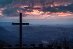 Great Day in the Morning..! (Rob Travis) Tags: mountains color clouds sunrise prettyplace prettyplacechapel fredsymmeschapel