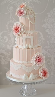 Vintage peach & pink birdcage cake by Cotton and Crumbs