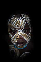 Surma tribe child with face painting (anthony pappone photography) Tags: africa travel boy portrait baby white black art face yellow barn digital canon pose painting photography facepainting eyes paint artist faces image expression retrato african painted picture culture unesco clay tribes afrika omovalley fotografia ethiopia ritratto surma reportage photograher afrique barna bambino faccia eastafrica phototravel suri facepainted etiopia etnic whiteclay 非洲 etnico etiope etnia argilla アフリカ loweromovalley etnica etnologia afryka childrentravel losniños etiopija portraitsofchildren 아프리카 etiopien etiópia kibish yellowclay africantribe африка etiopi tulgit अफ्रीका lowervalleyomo