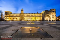 San Marcos, León. (Marqués!) Tags: park old city travel santiago sunset vacation urban sun building tower art tourism church monument water fountain horizontal stone architecture night facade hospital square de landscape outside lights hotel town spain construction ancient san shoot view y camino religion lion illumination architectural historic leon marcos borders roadhouse pilgrims castilla edificacion