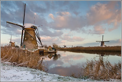 Kinderdijk (yesterday) (Wim Boon Fotografie) Tags: winter holland netherlands windmill nederland lee 7d unescoworldheritage kinderdijk alblasserwaard molen koud canon1740f4l alblasserdam grijsfilter wimzilver grijsverloopfilter manfrotto055xprob808rc4 leefilternd09softgrad hahnelgigatproiiwirelessremote molentocht2013