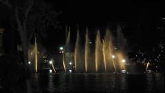 Burj Khalifa Dancing Water Fountain show (Infomastern) Tags: show water dubai uae khalifa burj watershow burjkhalifa burjkhalifawatershow