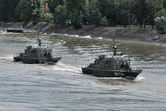"AM-32 ""Dunafldvr"" s AM-31 ""Dunajvros"" (Pter_kekora.blogspot.com) Tags: nikon d60 70300mmvr budapest hungary danube siegeofnndorfehrvrpatrolboat river boat ship minesweeper nestinclass hungariandefenceforces 2016 july summer hunyadi"