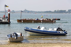 (Capt' Gorgeous) Tags: ferry christchurch mudeford dorset coast beachhuts sea sand huts harbour