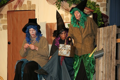 200510 de heksen zijn weer thuis (famstuk) IMG_0354 kl
