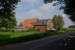 Dorst - Bavelstraat (grotevriendelijkereus) Tags: dorst noord brabant holland nederland netherlands dorp village town plaats farm boerderij hoeve street road weg straat