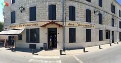 Hôtel-Restaurant des Voyageurs (frankrolf) Tags: castillonlabataille hôtelrestaurantdesvoyageurs signpainting