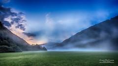 La tte dans la brume 2. (Jean McLane) Tags: brume nuages montagne montaa mountain green blue sony jura france hdr colorful couleurs color