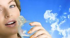 اگریک ماه فقط آب را به عنوان نوشیدنی مصرف کنید چه اتفاقی می افتد ؟ (وبگردی) Tags: آب آببدن مصرفآب نوشیدنآب