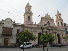 "Salta: la Plaza 9 de Julio et sa cathédrale <a style=""margin-left:10px; font-size:0.8em;"" href=""http://www.flickr.com/photos/127723101@N04/29260316612/"" target=""_blank"">@flickr</a>"