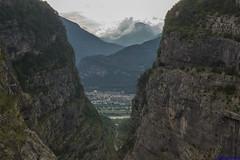 IMG_4996 (Matteo Scotty) Tags: canon estate 2016 sotto il cielo nuvole diga del vajont montagna