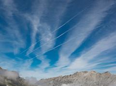 Picos de Europa (happy.apple) Tags: camaleño cantabria spain es picosdeeuropa contrails clouds mountains sky nationalpark