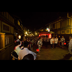 (Masahiro Makino) Tags: festival japan photoshop canon eos kyoto adobe    gion tamron f28 lightroom gionmatsuri    1750mm 60d naginataboko  20120717001436canoneos60dls640p