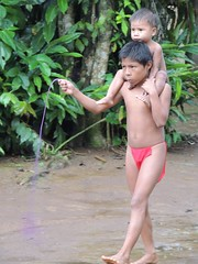 DSCN0880 (KaDresel) Tags: children rainforest child panama embera villiage nativeboy villiagelife emberaboy emberavilliage nativevilliage