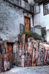 RINCN DESASTRE (pilibis8) Tags: espaa canon arquitectura puerta pueblo otoo antiguo villafranca castelln rincn 60d rincon pilarguillot