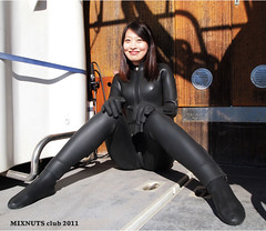 Black1300012c (mixnuts club) Tags: fetish scuba diving rubber diver wetsuits frogwoman