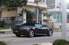 Aston Martin V8 Vantage Volante! (Gustavo Campos - Onehunterr) Tags: brazil brasil martin gray paulo panning são v8 aston volante vantage