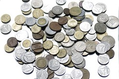 Money (Miltone1967) Tags: light white money pentax flash luci 1770 bianco softbox k5 riflesso soldi prolight strobist phottix