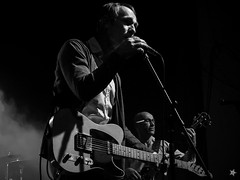 Norbert Leisegang (KEIMZEIT) (tinto) Tags: blackandwhite bw rock tivoli concert guitar live singer sw fujifilm konzert gitarre freiberg x10 sänger schwarzweis keimzeit fujix10