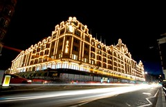 Sale In Harrods (Serge Freeman) Tags: street city uk longexposure london architecture night lights traffic harrods lighttrails