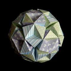 Knotology, Heinz Strobl (Aneta_a) Tags: origami strobl modularorigami paperstrips knotology heinzstrobl icosahedralsymmetry
