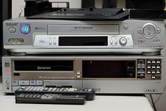Sony VHS and Betamax (MrDAT) Tags: sony betamax sl2710 slvn81
