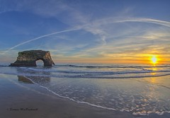 Natural Bridges Sunset (HavCanon.WillTravel) Tags: ocean california arch pacific january fisheyelens naturalbridgesstatebeach fdrtools