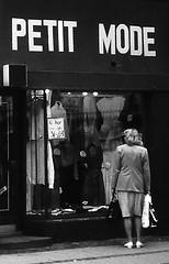 COPENHAGEN 1982 (streamer020nl) Tags: woman fashion shop lady copenhagen denmark 1982 clothes bags mode danmark petit kobenhavn