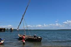 Sailing on a wooden dhow to Kiwla Kisiwani from Kilwa Masoko (6) (Prof. Mortel) Tags: tanzania dhow kilwamasoko kilwakisiwani