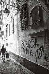 Vicoli (-Makar79-) Tags: 6d canonef24mmf14liiusm streetphotography blackandwhite people