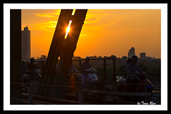 SHF_3470_Sunset (Tuan Ru) Tags: 1dmarkiii 14mm 100mm 135mm 1d 1dx 2016 2470mm 50mm 70200mm canon canon1d canoneos1dmarkiii canoneos1dx sunset longbienbridge longbin bridge honghn culongbin hanoi snghng tuanrau tuan ru