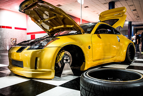 Best of Show Nissan Z - Hot Import Nights 2012 | 2012-005