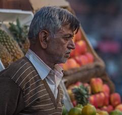 Fruit seller - Jaipur (Hannes Rada) Tags: india fruit market seller jaipur bazar rajasthan