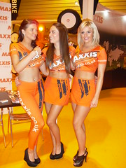 Maxxis Babes Nickie Ann Holly Jay & Amy Green (Tanvir's Pics 2010) Tags: green birmingham jay amy holly international babes ann nickie nec autosport maxxis 2013