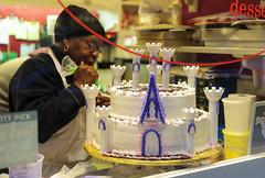 Wedding Castle (Wallace Flores) Tags: street nyc wedding people cakes nikon newyorkstate eastside uppereastside madisonave d3s